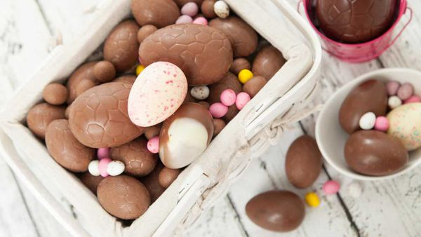 The verdict on whether chocolate belongs in or out of the fridge. Image: iStock chocolate Easter eggs