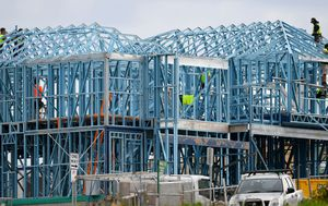 Coronavirus: Construction firms stagger shifts on building sites to keep tradies safe
