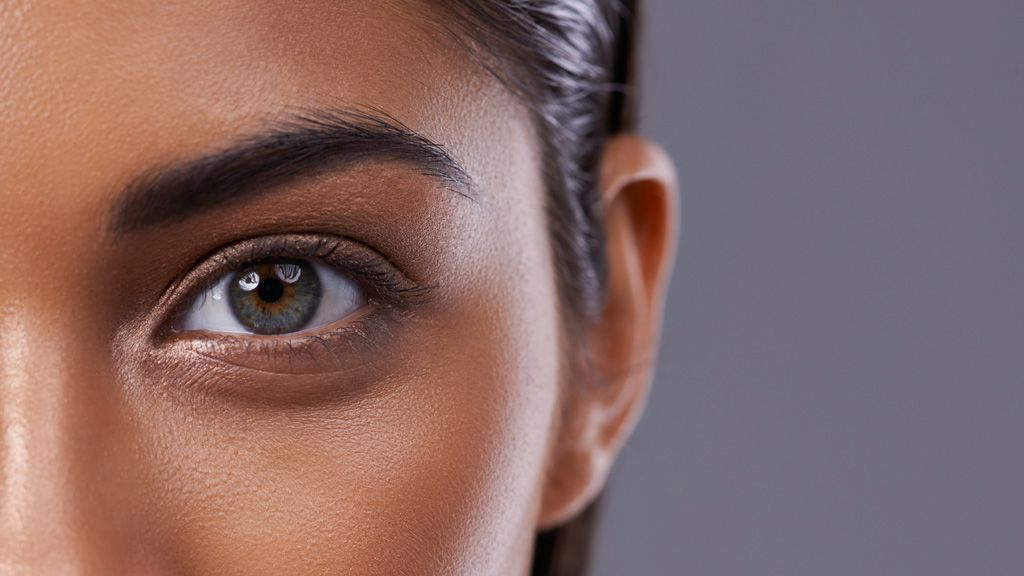 Perfect, dewy skin that glows can be yours with the help of a needle or two. Image: Getty.