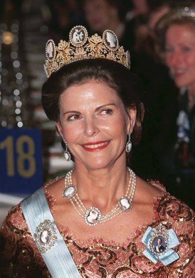 The Cameo tiara