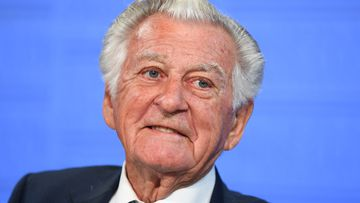 "Former Australian Prime Minister Bob Hawke speaks at the National Press Club during the book launch of Gareth Evans' memoir ""Incorrigible Optimist"" in Canberra. (AAP)"