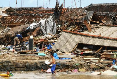 indonesia tsunami 2018 death toll grows amid clean up from disaster