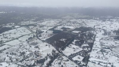 The Blue Mountains covered in snow. (Brendan Donohoe, 9NEWS)