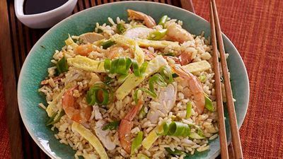 """Recipe: <a href=""""http://kitchen.nine.com.au/2017/01/31/11/17/chinese-fried-rice"""" target=""""_top"""">Chinese Fried Rice</a>"""