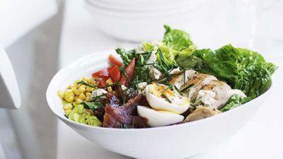 "Click here for the perfect <a href=""http://kitchen.nine.com.au/2016/05/16/19/48/cobb-salad"" target=""_top"">classic cobb salad</a> recipe"