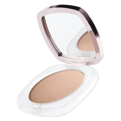 "<p>E! Style Awards 2017 - Best Powder</p> <p><a href=""https://www.mecca.com.au/la-mer/la-mer-sheer-pressed-powder/V-029916.html"" target=""_blank"" draggable=""false"">La Mer Sheer Pressed Powder in Medium, $175</a></p> <p>A soft-pressed powder that delivers a&nbsp;healthy-looking, natural matte complexion.</p> <p>Celebrity Fans-Jenna Dewan-Tatum</p>"