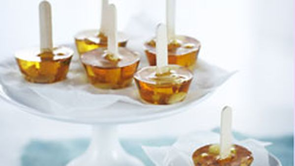 Peanut brittle pops