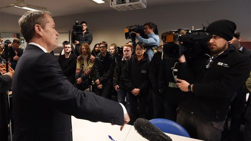 Bill Shorten speaks during a visit to a TAFE campus at Swinburne University as part of the 2016 election campaign in the federal seat of Deakin in Croydon, Melbourne. (AAP)