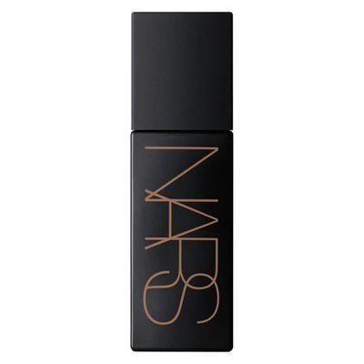 "Get Halle's Glow with&nbsp;<a href=""https://www.mecca.com.au/nars/liquid-laguna-bronzer/I-023438.html"" target=""_blank"">NARS Liquid Laguna Bronzer, $58</a>"