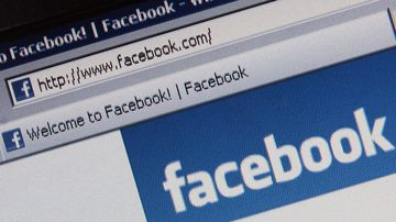 Facebook news feed - 9News