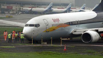 Aircraft news headlines - 9News
