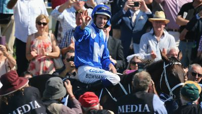 Wonder mare Winx claims world record win