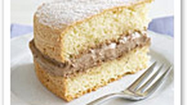 Chocolate-cream sponge cake