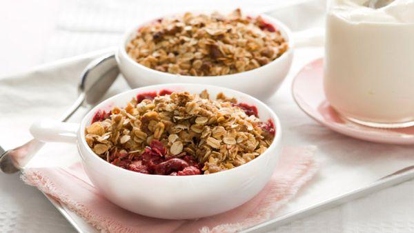 Cherry & raspberry oat crumble