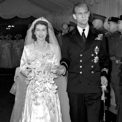 Queen Elizabeth's tiara broke