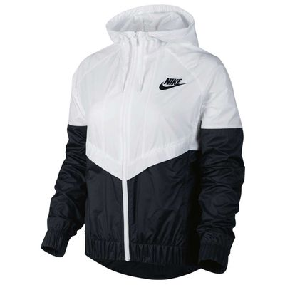 <strong>Nike Women's Windrunner Jacket</strong>