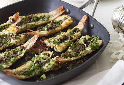 Grilled split prawns with parsley