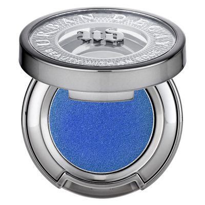 "<a href=""http://mecca.com.au/urban-decay/eyeshadow/V-020990.html?cgpath=brands-urban#prefn1=color&amp;prefv1=Blues&amp;start=1"" target=""_blank"">Urban Decay Eyeshadow in Dive Bar.</a>"