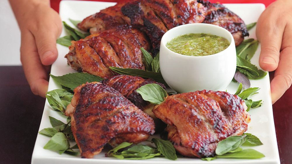 Barbecued chicken with nam jim