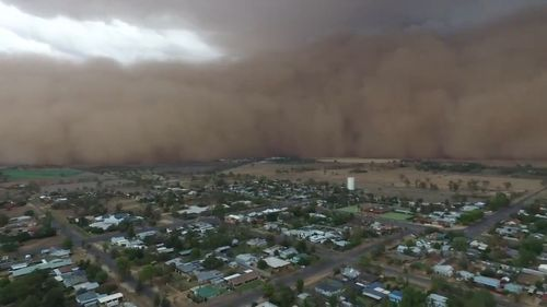 Watch as dust storms, golf-ball-sized hail batter Australia