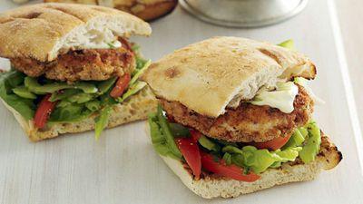 "<a href=""http://kitchen.nine.com.au/2016/05/17/17/10/cajun-spiced-chicken-burgers"" target=""_top"">Cajun spiced chicken burgers</a>"