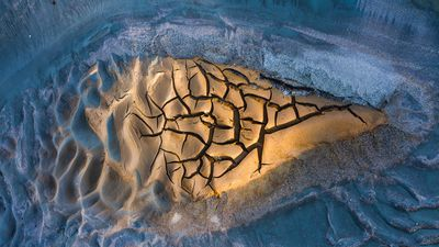 'Snowbreak' - Río Tinto, Spain: Art of Nature category 2020 winner.
