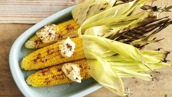 Grilled corn with cream and chipotle chilli