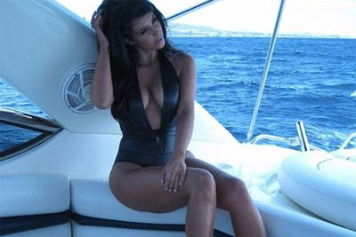 Now that Kim Kardashian is dating Kanye West, she gets to go on holidays on his boat!