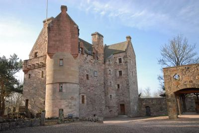 "<a href=""https://www.airbnb.com.au/rooms/330808"" target=""_blank"">Historic Scottish gem</a>"