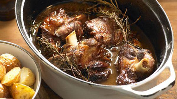 Lamb shanks stock pot
