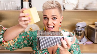 Jane de Graaff demonstrates the cheese grater hack you need