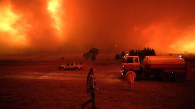 Bumbalong residents getting ready to defend their home from a bushfire south of Canberra
