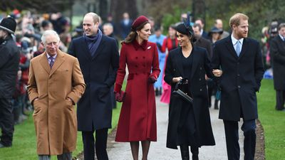 <strong>Crowd cheers as royals attend church on Christmas Day</strong>