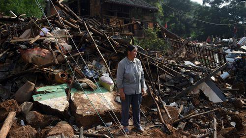 China earthquake death toll passes 400