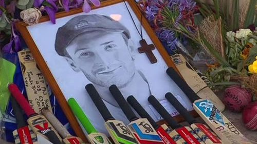 Large crowds are expected at the oval to honour Phillip Hughes. (9NEWS)