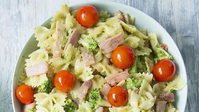 "Recipe: <a href=""http://kitchen.nine.com.au/2016/09/02/14/30/smoky-bacon-pesto-and-broccoli-pasta-bow-ties"" target=""_top"">Smoky bacon, pesto and broccoli pasta bow ties</a>"