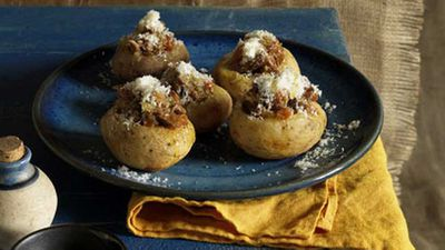 "<a href=""http://kitchen.nine.com.au/2016/05/17/09/59/potatoes-stuffed-with-braised-lamb"" target=""_top"" draggable=""false"">Potatoes stuffed with braised lamb </a>recipe"