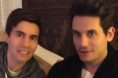 Yep, even the blokes like to dabble in Photoshop.<br/><br/>John Mayer and his pal Ricky Van Veen got a heavily-filtered face lift last year, with the pair glowing like a couple of Madame Tussaud's wax figures.