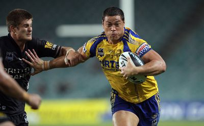 <strong>9. Timana Tahu – 121 tries for Newcastle, Parramatta and Penrith 1999-2014</strong><br>