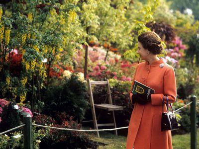 Queen Elizabeth, 1971