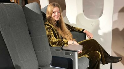 Interspace airplane seat design