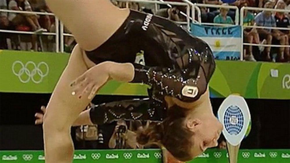 Gymnast's levitating head amazes internet