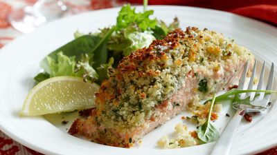"<a href=""http://kitchen.nine.com.au/2016/05/05/16/24/crusted-salmon-fillets"" target=""_top"">Crusted salmon fillets</a>"