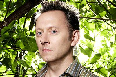 <B>The dad:</B> Ben Linus (Michael Emerson), <em>Lost</em><br/><br/><B>Father to:</B> Alex (Tania Raymonde).<br/><br/><B>Why he's a bad dad:</B> Technically, Lost's bug-eyed villain isn't a father; he kidnapped Alex from her real mother when she was just a baby. Sixteen years later, when an army mercenary pointed a gun at Alex and threatened to shoot and kill her, Ben basically told him to go ahead, insisting Alex was just a pawn who meant nothing to him. And then Alex was shot and killed. Cold!