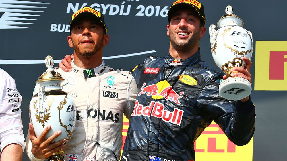 Ricciardo aims to keep Mercedes nervous