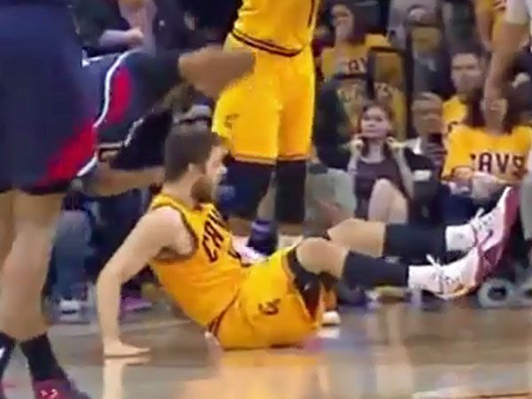 NBA player ejected after elbowing Aussie star