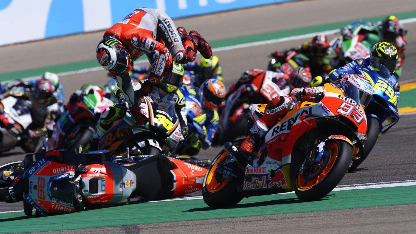 Marc Marquez extends lead after Jorge Lorenzo crashes out at Aragon MotoGP