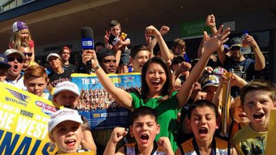 9NEWS reporter Tracy Vo met some keen Eagles fans. (9NEWS / Tracy Vo)