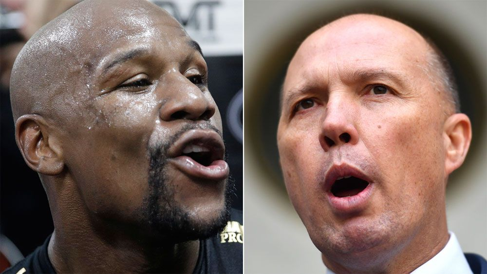 Undefeated boxing champion Floyd Mayweather faces Aussie visa fight