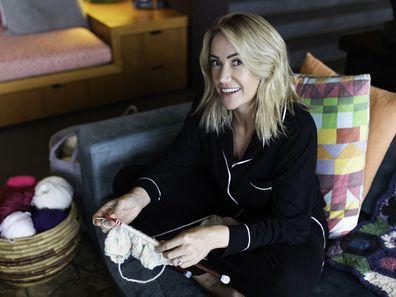 Leila McKinnon knitting